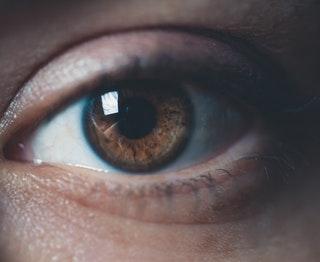Milyen előnyökkel jár a lézeres látásjavítás?